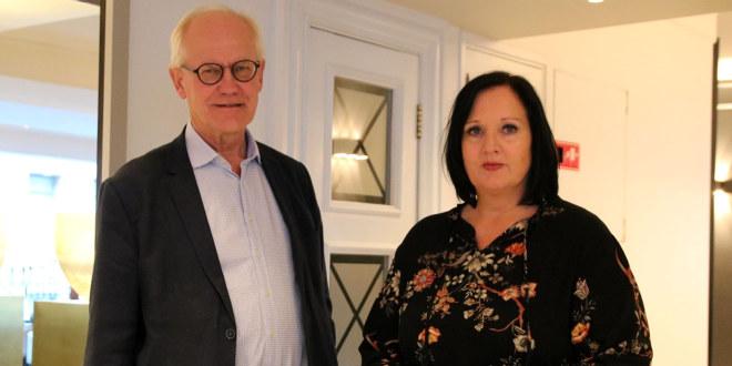 Forhandlingsleder Aina Skjefstad Andersen sammen med mekler Geir Engebretsen under meklingen i Oslo kommune oktober 2020