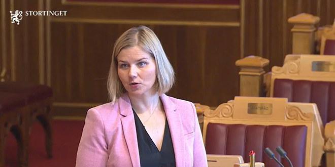 Guri Melby, kunnskaps- og integreringsminister. Her fra spørretimen på Stortinget 14. oktober.