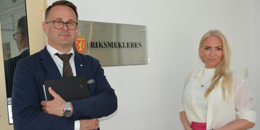 Riksmekler Mats Ruland og Unio Spekters leder Lill Sverresdatter Larsen.