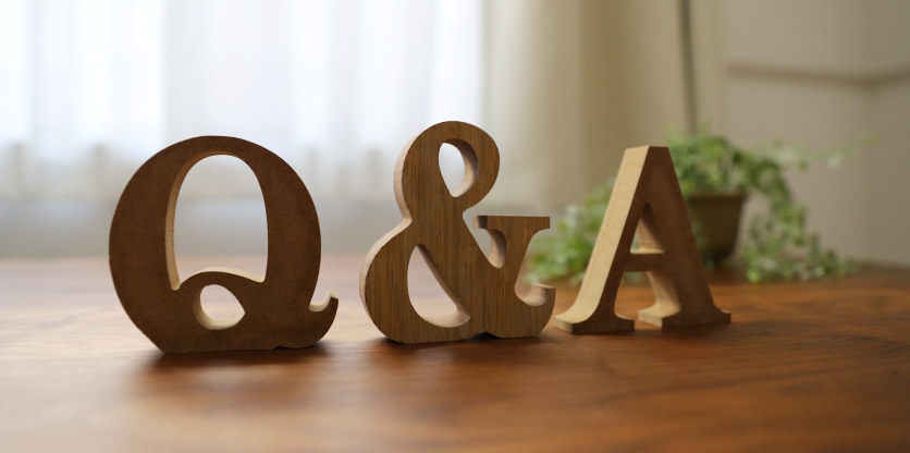 Illustrasjonsbilde med bokstavene Q & A.