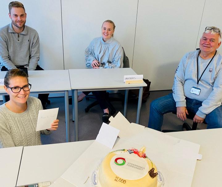 Da vi kom på besøk ledet kontaktlæreren klasseråd. Her med gode kolleger: (f. v) Markus Mørland Karlsen, Tone Ufsvatn Bjørnstad og Reidar Skretting