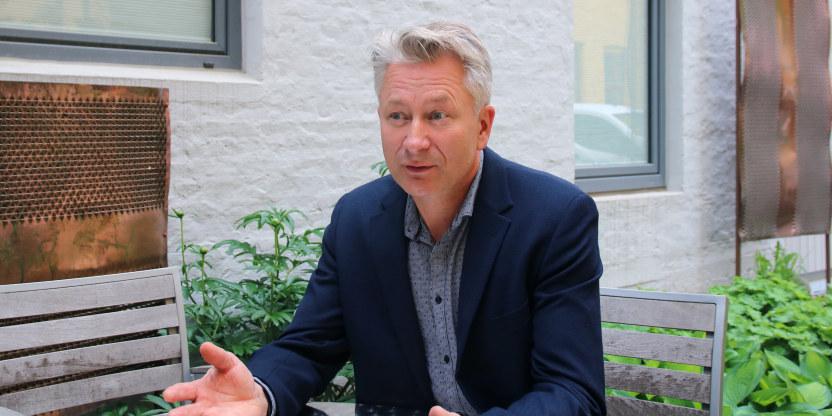 Nærbilde av Tormod Korpås utendørs, sentralstyremedlem og leder av sentralt lederråd i Utdanningsforbundet.