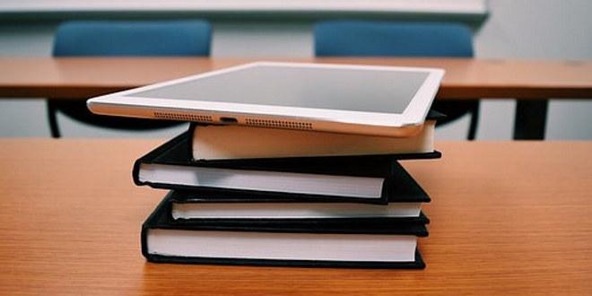 kontor, bøker, ipad, nettbrett